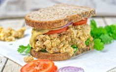 You can never have enough portable lunches. Now it's time to make my new vegan Thai Green Curry Sandwich with chickpea filling. Healthy Sandwich Recipes, Vegetarian Recipes, Vegan Sandwiches, Vegan Thai Green Curry, Vegan Mayonnaise, Vegan Main Dishes, Vegan Burgers, Easy Dinner Recipes, Cooking