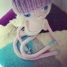 Knitted Babe - knitting pattern