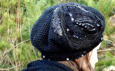 Baskenmützen - Baskenmütze mit Glasperlen und Pailletten - ein Designerstück von BeaBaltic bei DaWanda