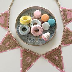 Bu güzellikler Çok uzaklara yolcu donut, macaron kokulutaşlar ve vazgeçilmezim  Lve banner  güzel günlerde kullanılsın  #donut #donutkokulutaş #kokulutaş #banner #bunting #handmade #decor #dekor #design #dekoratif #dekorasyon #duvardekoru #sweet #macaron #konsept #mutfak #homesweethome #sweethome #home #kitchen #pinklike #mintgreen #pastel #renkler #pazartesi #today #populerphoto #cupcake #blue