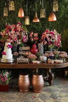 Ideas for wedding vintage theme simple Vintage Wedding Theme, Wedding Themes, Wedding Designs, Wedding Decorations, Table Decorations, Wedding Bells, Wedding Flowers, Wedding Dress, Sunset Party