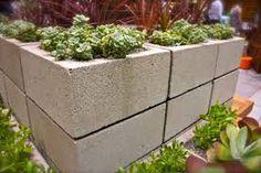 Image from http://www.mehrtalk.com/z/2014/11/home-decor-simple-home-vegetable-garden-3m1ckyod-simple-garden-ideas.jpg.