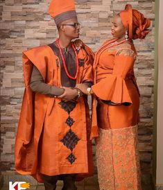 Orange is the latest trending colour for Nigerian traditional brides African Wedding Attire, African Attire, African Dress, African Weddings, African Fashion Traditional, African Inspired Fashion, Plus Size Fashion Dresses, African Fashion Dresses, Traditional Wedding Attire