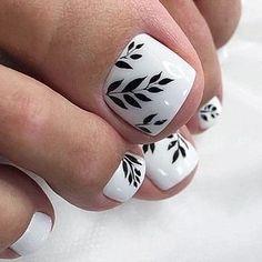 Gold Toe Nails, Pretty Toe Nails, Cute Toe Nails, Feet Nails, Pedicure Designs, Pedicure Nail Art, Toe Nail Designs, Nail Manicure, Toe Nail Color