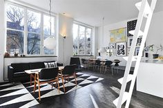 This airy and modern loft is located in a 1939 building in Post Halls. It's situated on the third floor and it covers an area of 68 square meters. Arne Jacobsen, Oak Parquet Flooring, Living Dining Combo, Living Room, Interior Architecture, Interior Design, Open Space Living, Modern Loft, Home Decor Trends