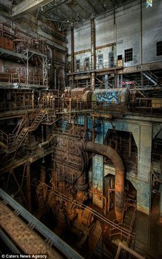 These are stories waiting to happen! Abandoned America: Photographer captures haunting images of rusting steel works, crumbling schools and empty factories of a once-great superpower | Daily Mail Online: