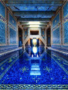 Zwembad in het hart van een kasteel