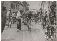La foto nel cassetto 3 - Rifornimento Tour de France (1949) - Fausto Coppi e Fiorenzo Magni - #ciclocollection #lafotonelcassetto #museo #tourdefrance #faustocoppi #fiorenzomagni