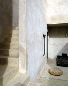 Moroccan Retreat belgian designer Esther Gutmer, architect Helena Marczewski #concrete  #tadelakt