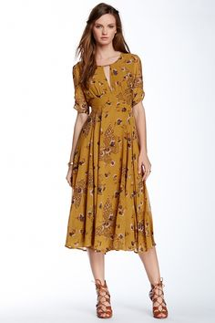 floral print dress — Not my color, but I love the style. 40 Great Casual Style Looks To Look Cool – floral print dress — Not my color, but I love the style. Pretty Outfits, Pretty Dresses, Beautiful Dresses, Casual Dresses, Summer Dresses, Dresses Dresses, Girls Dresses, Mode Vintage, Mode Outfits