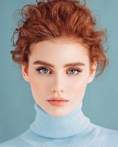 Burgundy Brown - 40 Red Hair Color Ideas – Bright and Light Red, Amber Waves, Ginger Hair Color - The Trending Hairstyle Beautiful Red Hair, Most Beautiful Eyes, Beautiful Redhead, Pretty Hair, Beautiful Women, Redhead Problems, Girl Face, Woman Face, Photographie Portrait Inspiration
