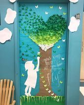 15 Back to School Bulletin Board Ideas You Will Love! Back to … 15 Back to School Bulletin Board Ideas You Will Love! Back to School Bulletin Board Ideas! Here are some of my favorite bulletin board ideas I found that are perfect for back to school. Bible Bulletin Boards, Bulletin Board Tree, Kindergarten Bulletin Boards, Reading Bulletin Boards, Spring Bulletin Boards, Back To School Bulletin Boards, Classroom Bulletin Boards, March Bulletin Board Ideas, Classroom Door