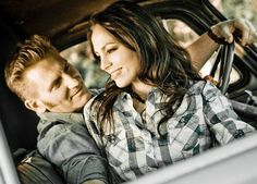Rory Feek posted a heartbreaking photo of his terminally ill wife, Joey Feek, hugging her best friend for what she fears is the last time. Joey and Julie Zamboldi have been inseparable for eight ye… Country Music Artists, Country Singers, Joey And Roey, Joey And Rory Feek, This Life I Live, Zac Brown Band, Cma Awards, Number Two, Music Lovers