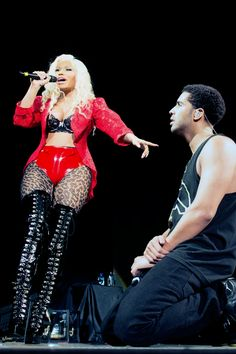 Read Chapter 15 from the story Amorousness by onikaa_drizzy (Minaj Girl ) with 723 reads. Drake heard the doorbell ring and ran t. Rihanna E Drake, Nicki And Drake, Nicki Minaj Fotos, Nicki Minja, Beats By, Cute Celebrities, Celebs, Nicki Minaj Pictures, Drake Graham