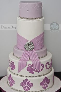 dream interpretation of wedding cake 1000 images about lavender wedding theme on 13731