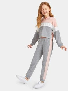Teenage Girl Outfits, Girls Fashion Clothes, Dresses Kids Girl, Cute Girl Outfits, Kids Outfits Girls, Tween Fashion, Cute Outfits For Kids, Teen Fashion Outfits, Cute Casual Outfits