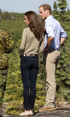 Kate Middleton - Prince William and Kate Middleton at a Canadian Rangers Station