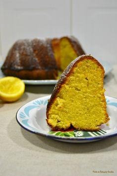 Bundt cake de farinha de milho, limão, alecrim - http://gostinhos.com/bundt-cake-de-farinha-de-milho-limao-alecrim/