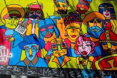 Cool. Mural de Isa Silva en el Elevador da Glória (Lisboa).