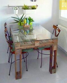 Mesa cocina o de comedor con palés