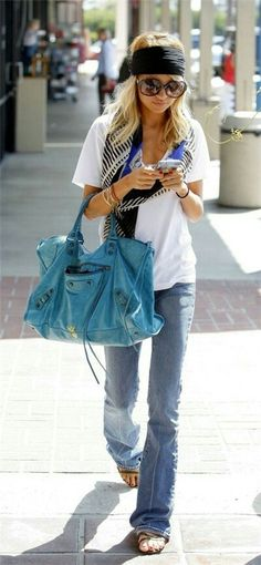 Love this head wrap with casual tee shirt and jeans look.  Nicole Ritchie