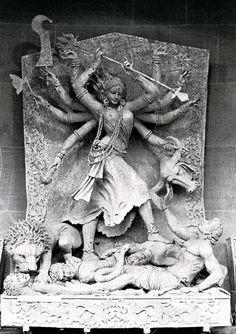 Saraswati Goddess, Kali Goddess, Goddess Art, Ancient Goddesses, Gods And Goddesses, Kali Hindu, Indian Goddess, India Art, Hindu Deities