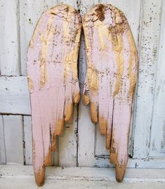 nice Pink and gold angel wings wall hanging metal and wood distressed shabby cottage chic rusty home decor anita spero design Wooden Angel Wings, Diy Angel Wings, Angel Wings Wall Decor, Diy Wings, Shabby Chic Cottage, Shabby Chic Homes, Diy Angels, Wing Wall, Wall Decor Lights
