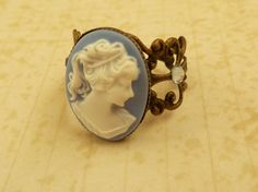 Filigraner Kamee Ring in blau bronze Lolita Ring von Schmucktruhe