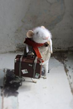 Voyageur de souris. White a estimé souris. par mousestories sur Etsy