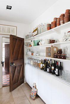 shallow open shelves (via desiretoinspire.net - Alexander James)