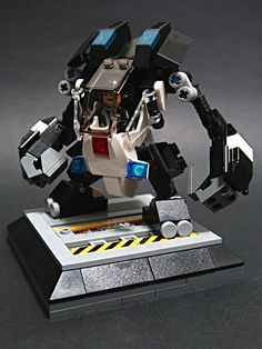 M.K.012-police mech 02.The police mech was my moc 11 years ago,i strengthen it and build it again,hope you like.