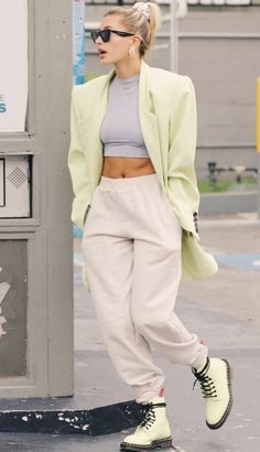 Sport Chic: we want this trend in 2019 too! - Sporty chic look - Chill Outfits, Sporty Outfits, Sporty Style, Mode Outfits, Fashion Outfits, Fashion Tips, Fashion Trends, Sporty Look, Office Outfits