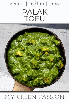 Palak Tofu is an easy Indian curry with spinach and tofu. Usually it is made with cottage cheese, but I turned it into a delicious vegan recipe. Spinach Indian Recipes, Vegan Indian Recipes, Spinach Curry, Delicious Vegan Recipes, Recipes With Spinach Vegan, Vegan Indian Food, Paneer Recipes, Tofu Recipes, Indian Cuisine