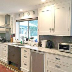 Another pretty kitchen we did. A bit of a group effort as I was going through chemo etc and my daughter had been sick. We did not know at the time her kidneys were being damaged. A rough time but the kitchen did turn out super. Hope you all had a wonderful weekend. xoxo