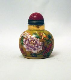 Chinese Antique Painted Flowers and Bats Enameled Glass Snuff Bottle
