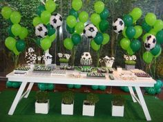 Soccer Birthday Party Sporty and Active : Soccer Birthday Party Favor Ideas. outdoor party,party for boys Soccer Party Favors, Soccer Birthday Parties, Football Birthday, Sports Birthday, Birthday Party Favors, Soccer Baby Showers, Kids Sports Party, Party Time, Impreza