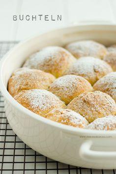 Buchteln con crema alla vaniglia