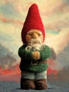 Make your own soft sculpture gnome! This is a needle felting project. Felt Christmas, Christmas Crafts, Felt Fairy, Little Doll, Felt Ornaments, Needle Felted Ornaments, Wet Felting, Felt Dolls, Soft Sculpture