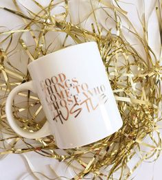 24K gold mug. This is the perfect mug to keep you hustlin' throughout the day. To add a touch of glam to your everyday.
