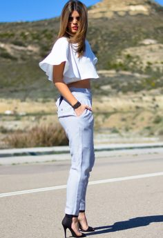 Spring street style, crop top and pastels
