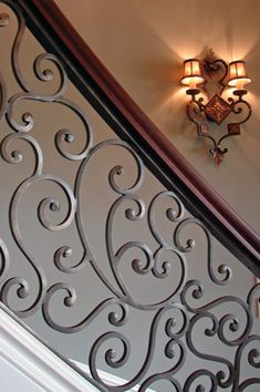 Stairs Barrier Ideas Stair railings serve greater than a practical function– they provide staircases an aesthetic visibility and also make a stairs a masterpiece. Check out these step railing… Luxury Staircase, Modern Railing, Wrought Iron Stair Railing, Staircase Railings, Staircase Design, Banisters, Iron Railings, Balcony Railing Design, Stair Case Railing Ideas