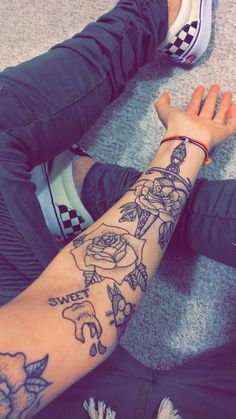 Arm Tattoos are also a fun way of showing off your personality or sentimentality. In this article we are going to give you more than 5000 Arm Tattoos Tattoos 3d, Forarm Tattoos, Dainty Tattoos, Dope Tattoos, Arm Tattoos For Guys, Black Tattoos, Body Art Tattoos, Hand Tattoos, Tattoo Old School
