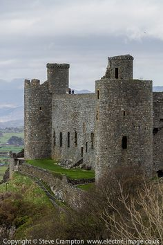 Harlech Castle, Wales - photography by Steve Crampton Welsh Castles, Castles In Wales, English Castles, Scottish Castles, Chateau Medieval, Medieval Castle, Castle Ruins, Castle House, Places Around The World