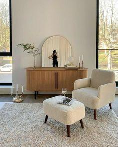 Home Living Room, Apartment Living, Living Room Decor, Dream Home Design, Home Interior Design, House Design, Bed Design, Room Interior, Aesthetic Room Decor