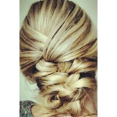 24 Messy Braids from Pinterest to Inspire Your Look Daily Makeover ❤ liked on Polyvore featuring hair, hairstyles, cabelos, hair styles and beauty