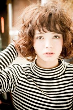 Medium Short Hair, Short Curly Hair, Medium Hair Styles, Curly Hair Styles, Bob Perm, Ash Blonde Hair, Japanese Hairstyle, Bob Styles, Great Hair