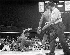 Tweet Jimmy Young's Heavyweight Defensive Gems By Robert Brizel, Head Real Combat Media Boxing Correspondent The late Philadelphia defensive stylist heavyweight contender Jimmy Young (1948-2005) fought 55 pro bouts between 1969 and 1988. It dawned on this reporter to take a historical look at Young's heyday in his prime in the 1970's to see who …