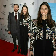 #JustinTimberlakesupporting his wife#JessicaBiel (in #ElieSaab) at the premiere of her new movie#TheBookOfLove! • • • • • #JustinTimberlake apoiando sua esposa #JessicaBiel (de #ElieSaab) na estreia de #TheBookOfLove, novo filme dela!