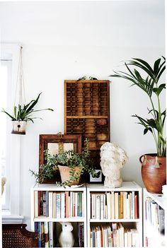 it feels like home Room Inspiration, Interior Inspiration, Floating Shelves Bathroom, Bathroom Storage, Ikea Billy Bookcase, Bookshelves, Dream Apartment, Apartment Design, Minimalist Room