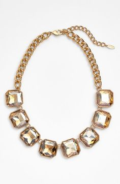 Pretty collar necklace #nsale http://rstyle.me/n/mjg39nyg6